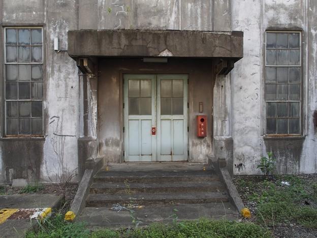 旧変電所の扉