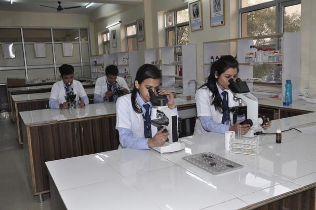 Paramedical College in Delhi