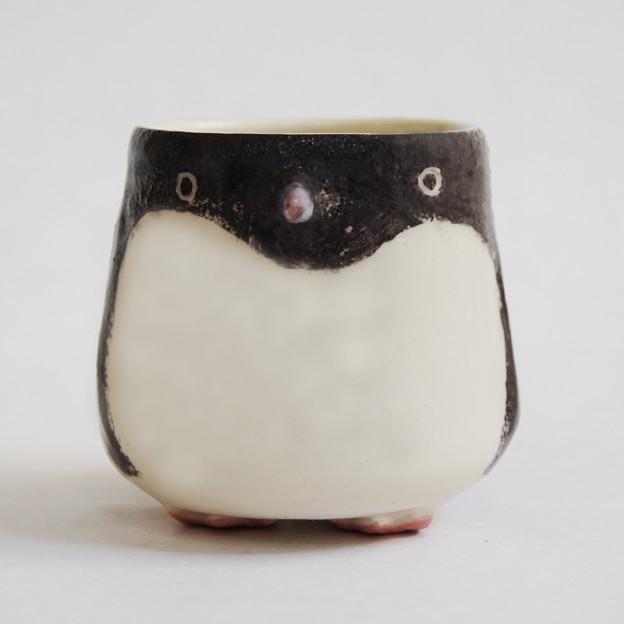 アデリーペンギン湯呑み 前