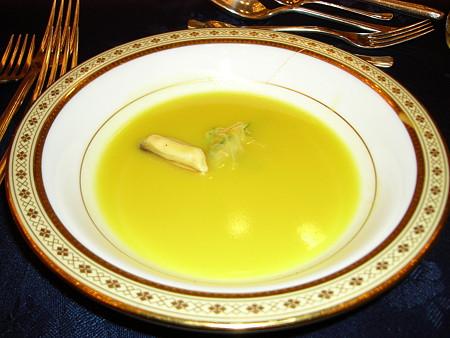 ムール貝のスープ サフラン風味