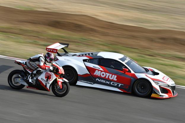 Photos: Honda Racing パフォーマンス