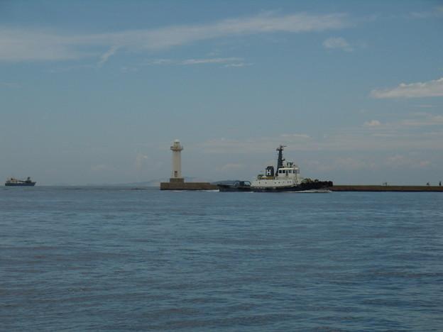 早富士丸と白灯台