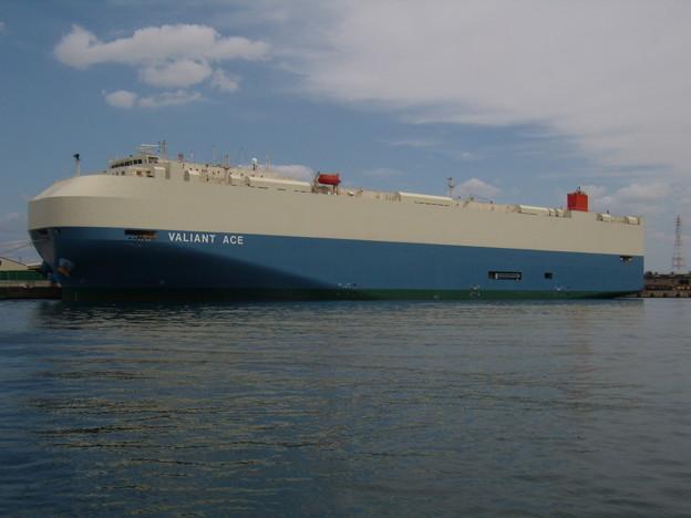 自動車専用運搬船 VALIANT ACE