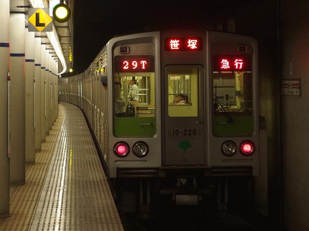 京王新線幡ヶ谷駅1番線 10-220F急行笹塚行き後追い