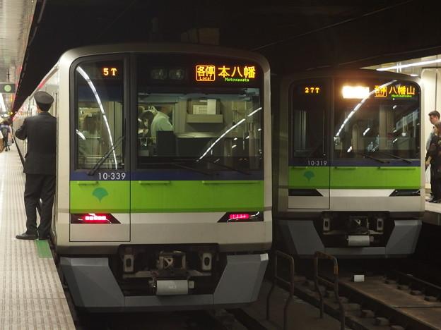 都営新宿線九段下駅 10-300Rどうしの並び