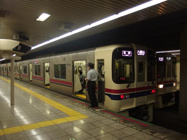 都営新宿線曙橋駅1番線 京王車の並び