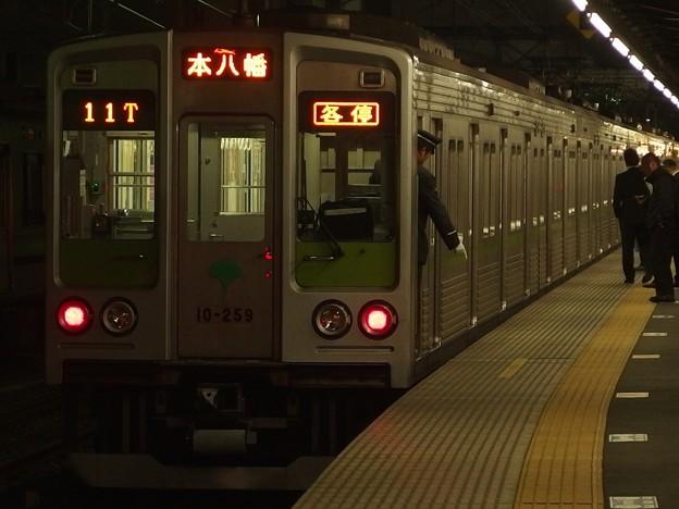 京王線桜上水駅4番線 都営10-250F各停本八幡行き停止位置よし