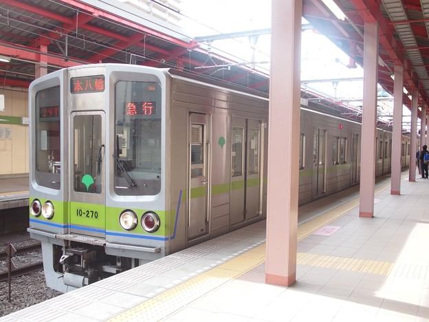 都営新宿線船堀駅2番線 都営10-270F急行本八幡行き