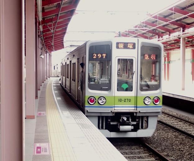 都営新宿線船堀駅1番線 都営10-270F急行笹塚行き前方確認