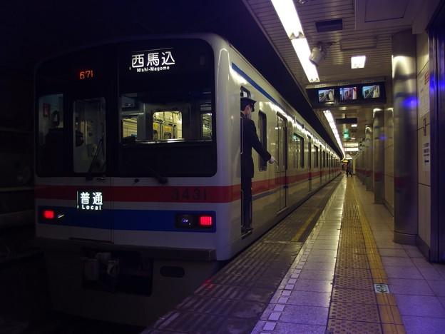 都営浅草線高輪台駅1番線 京成3438F普通西馬込行き停止位置よし