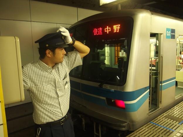 東京メトロ東西線落合駅2番線 メトロ05-117F快速中野行きベル扱い