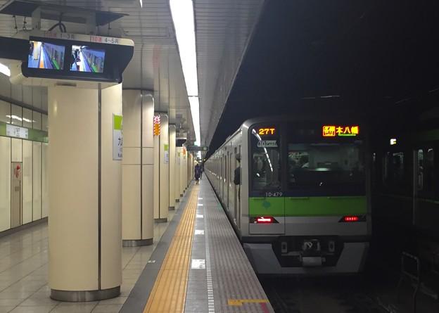 都営新宿線九段下駅6番線 都営10-470F各停本八幡行き前方確認