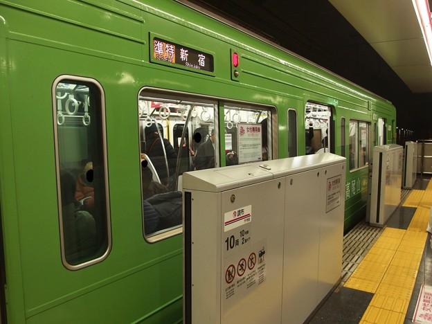 京王線調布駅4番線 京王8713準特急新宿行き