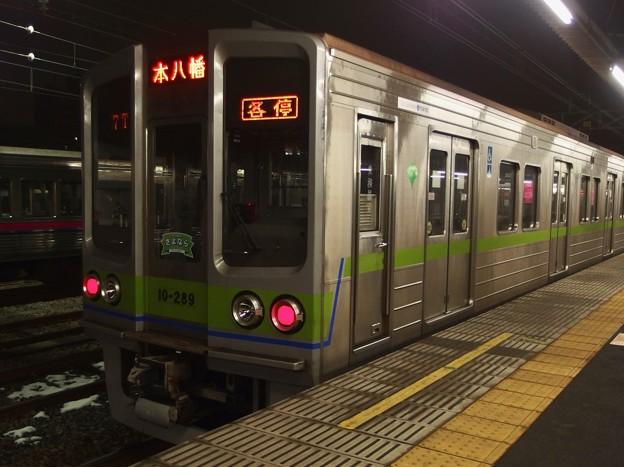 京王線桜上水駅4番線 都営新宿線10-280F各停本八幡行き