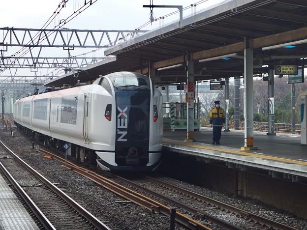 総武快速線新小岩駅3番線 NEX通過(2)