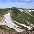 写真: 化雲岳から小化雲岳へと続く稜線