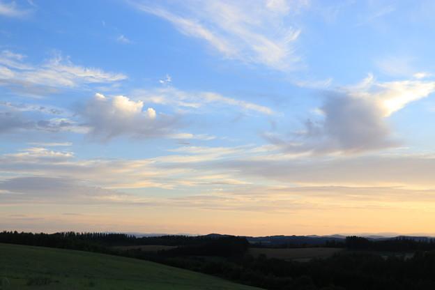 Photos: 新栄の丘の夜明け