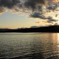 写真: 大沼公園の夕暮れ