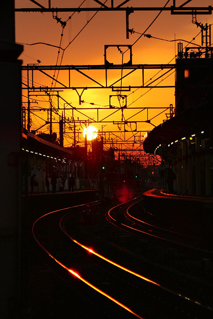 写真: 朝の駅