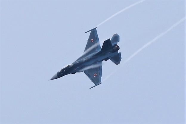 写真: F2機動飛行
