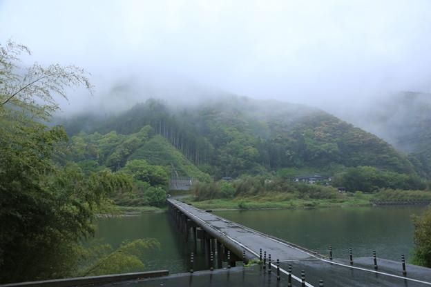 雨上がりの沈下橋