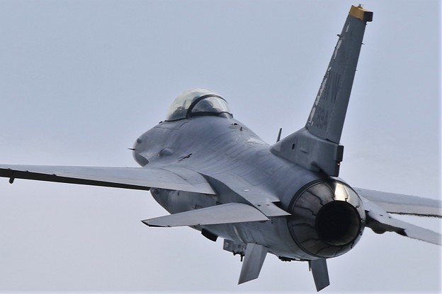 Photos: F16