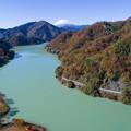 写真: 丹沢湖の秋