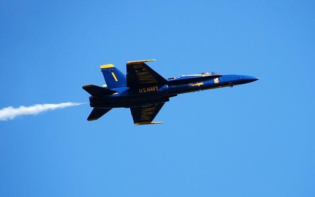 Photos: Blue Angels No1 after Vertical Break 9-6-15