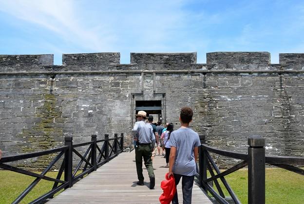 Photos: Walking to Castillo de San Marcos 5-11-19