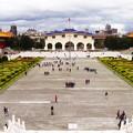 紀念堂から見た自由広場