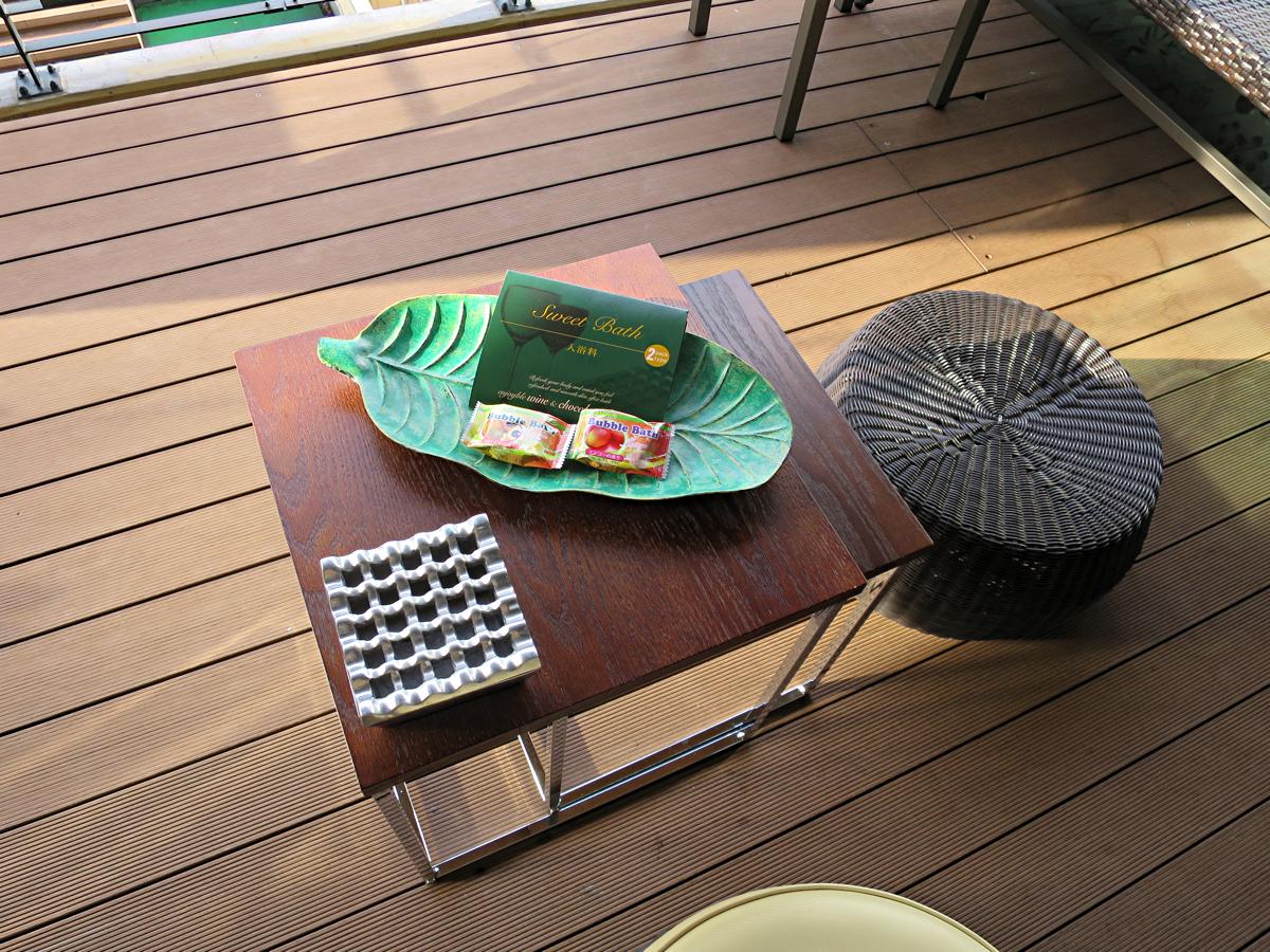 テラステーブル