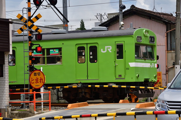 2018_0708_132515 JR奈良線鳥羽街道踏切