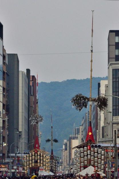 2018_0716_180521 東山を望む
