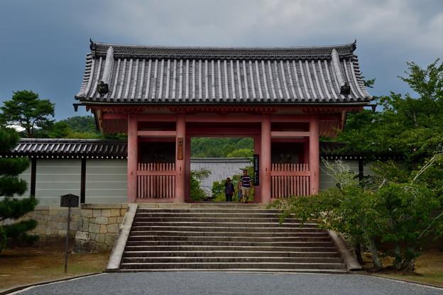 2018_0813_145618 重要文化財の中門