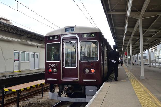 2018_1219_120253阪急千里線 7300系梅田行