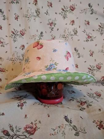 YUWAでリバーシブル帽子