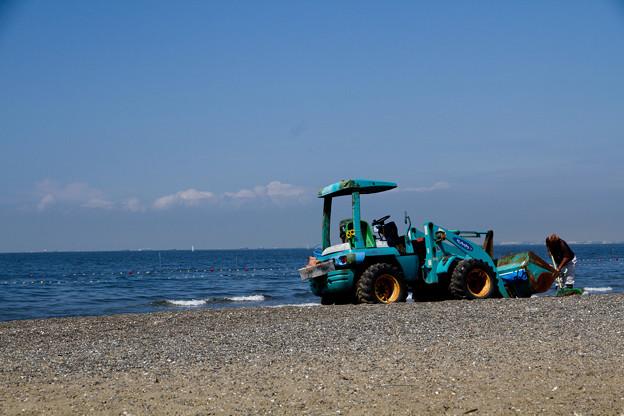 浜のホイールローダ