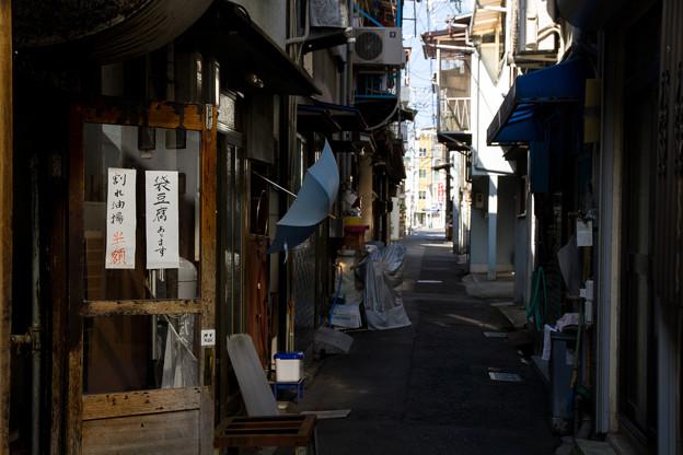 路地裏の豆腐屋