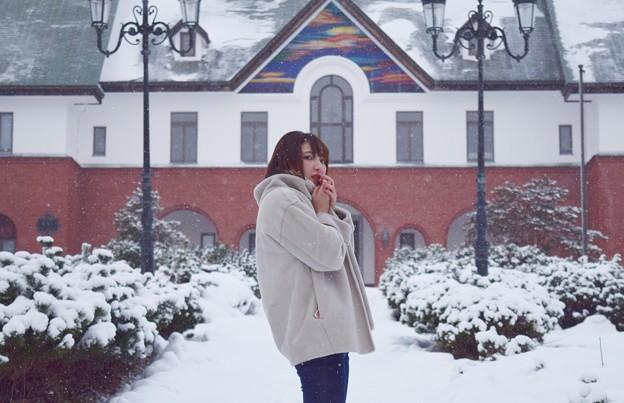 雪降る中で