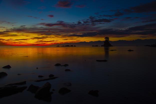 夜明け前の雨晴海岸 IMG_9178