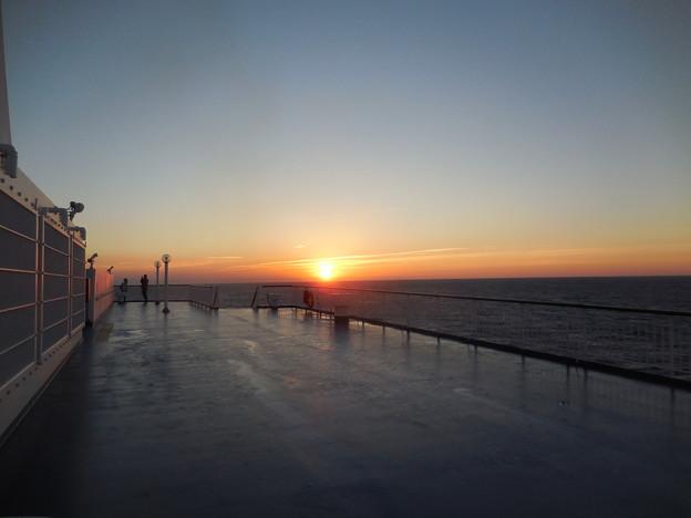 海上の日の出