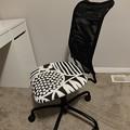Photos: IKEA 子供用イス $20
