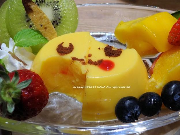 ピカチュウといろいろフルーツのプリンアラモード