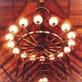 Photos: 照明と屋根
