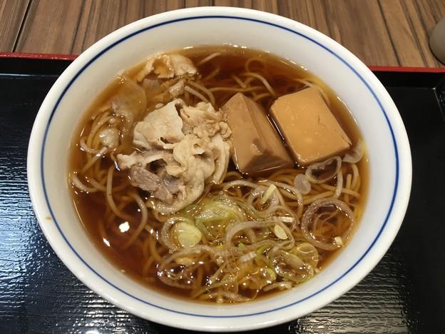 北海道産ホエー豚の肉豆腐そば