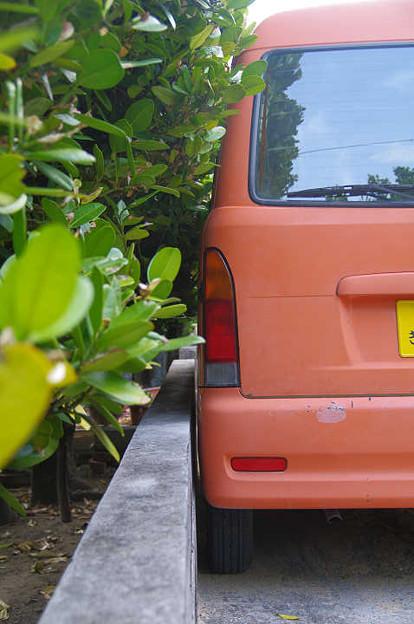 s1854_絶妙な幅寄せ駐車