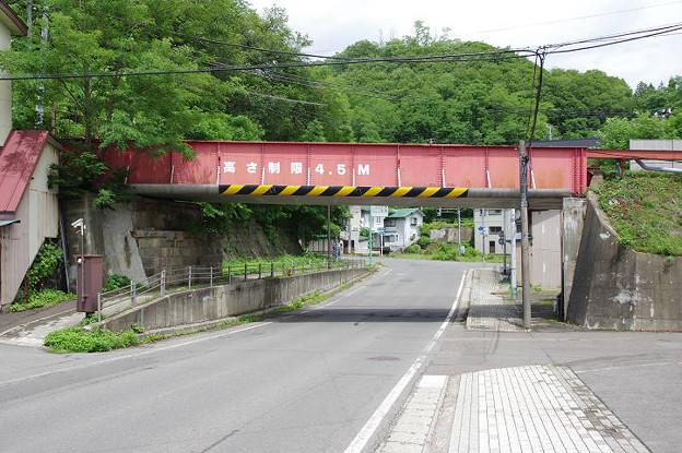s0386_小坂町_小坂製錬所への専用線跡のガーター橋