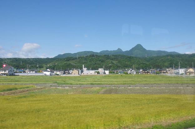 s6984_上越線車窓八木原~渋川間_榛名山方向