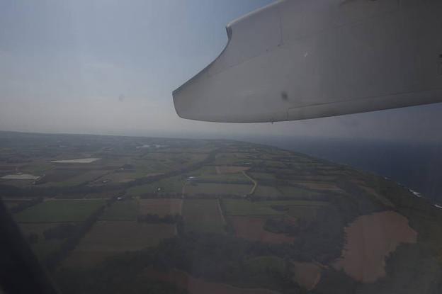 s0532_沖縄県南大東村上空_南大東空港を離陸