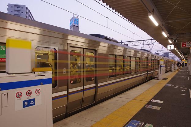 s2934_高槻駅1番ホーム保護バー上昇中